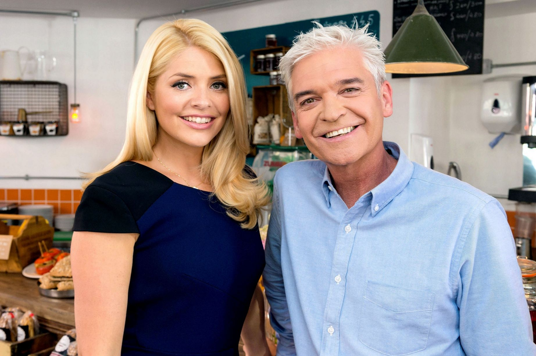 Holly-Willoughby-behind-the-scenes-at-the-making-of-the-new-This-Morning-promo