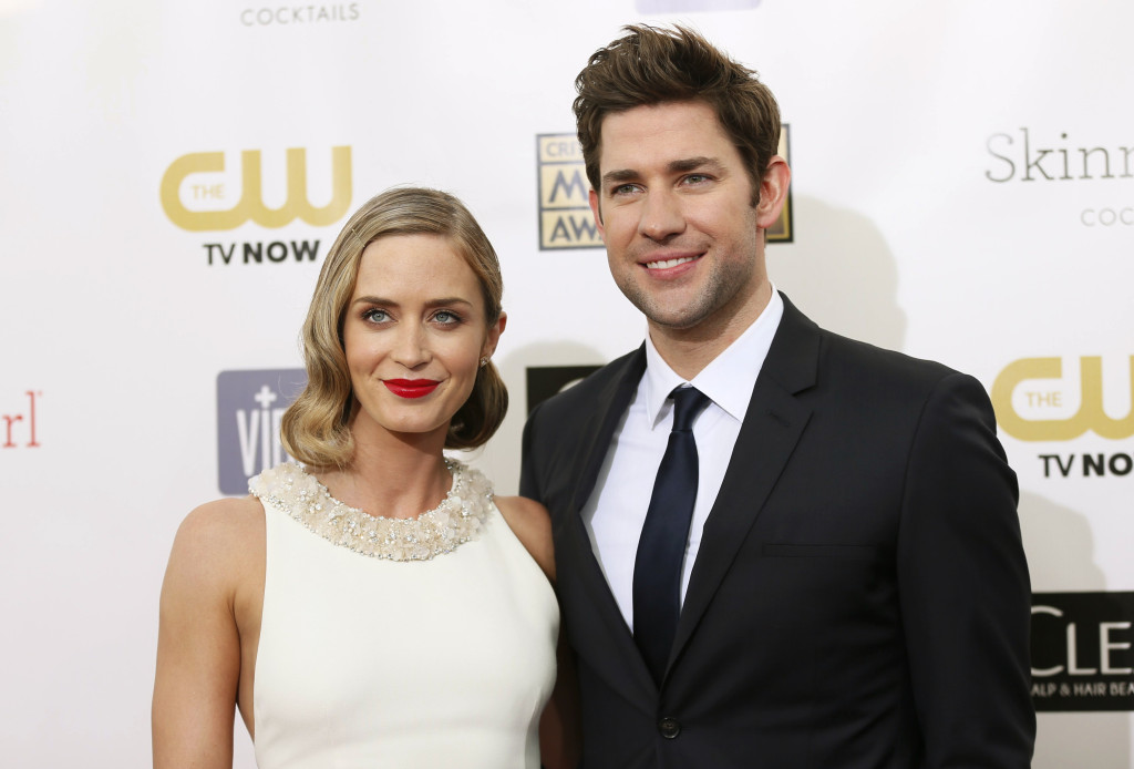 Actress Emily Blunt and actor John Krasinski pose on arrival at the 2013 Critic's Choice Awards in Santa Monica, California January 10, 2013. REUTERS/Danny Moloshok (UNITED STATES - Tags: ENTERTAINMENT) - RTR3CAV5