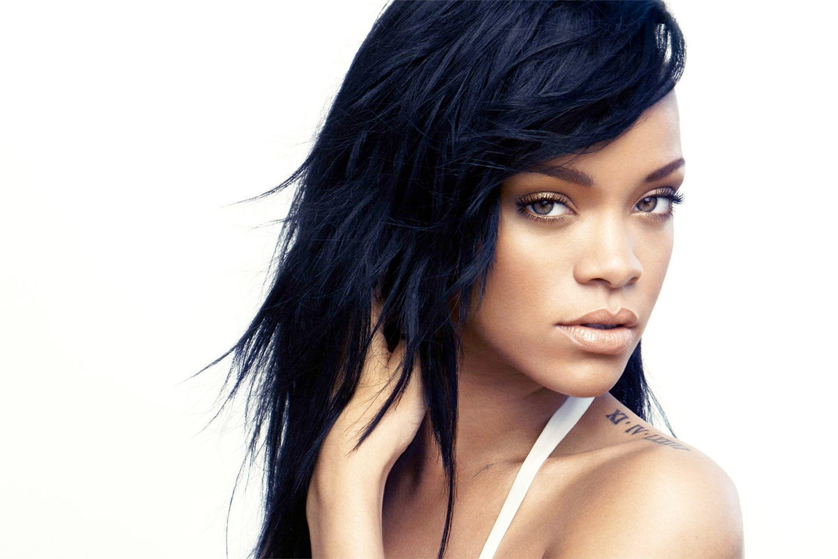 rihanna-featured