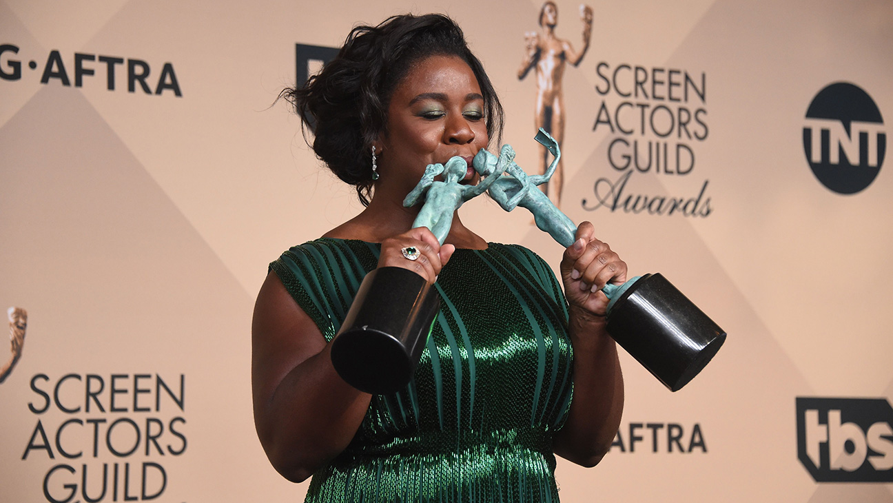 Actress Uzo Aduba poses in the press room at the 22nd Annual Screen Actors Guild Awards at The Shrine Auditorium on January 30, 2016 in Los Angeles, California.  AFP PHOTO/FREDERIC J. BROWN / AFP / FREDERIC J. BROWN        (Photo credit should read FREDERIC J. BROWN/AFP/Getty Images)
