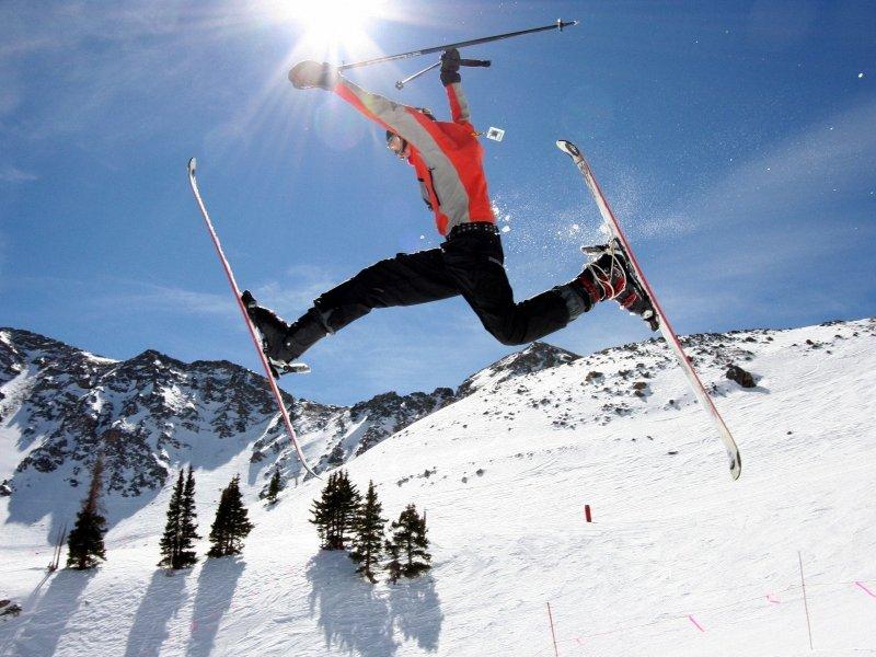 skiing-cool-jump_92521-800x600
