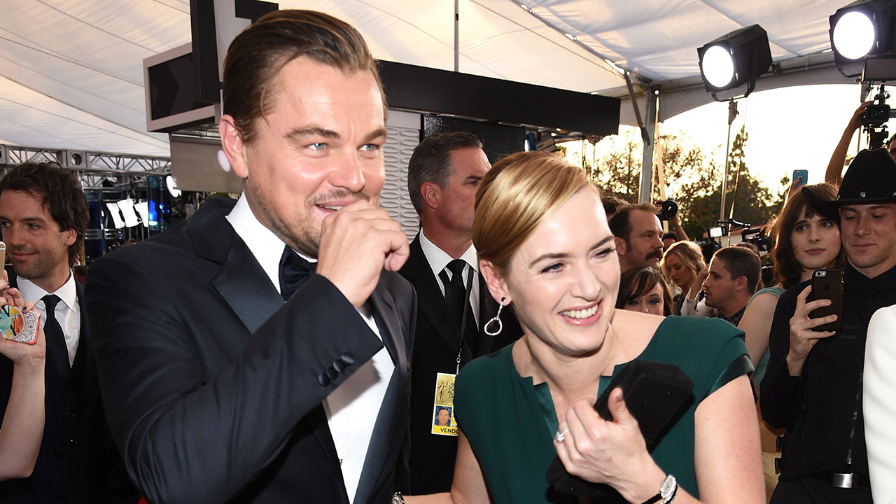 LOS ANGELES, CA - JANUARY 30: Actors Leonardo DiCaprio (L) and Kate Winslet attend The 22nd Annual Screen Actors Guild Awards at The Shrine Auditorium on January 30, 2016 in Los Angeles, California. 25650_013 (Photo by Dimitrios Kambouris/Getty Images for Turner)