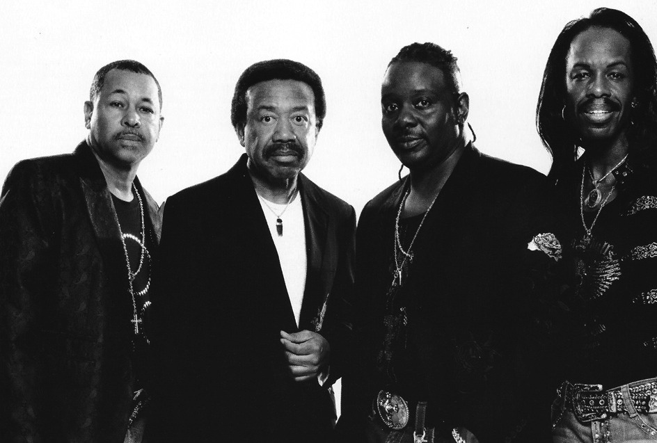 earth-wind-and-fire-to-release-christmas-album-main