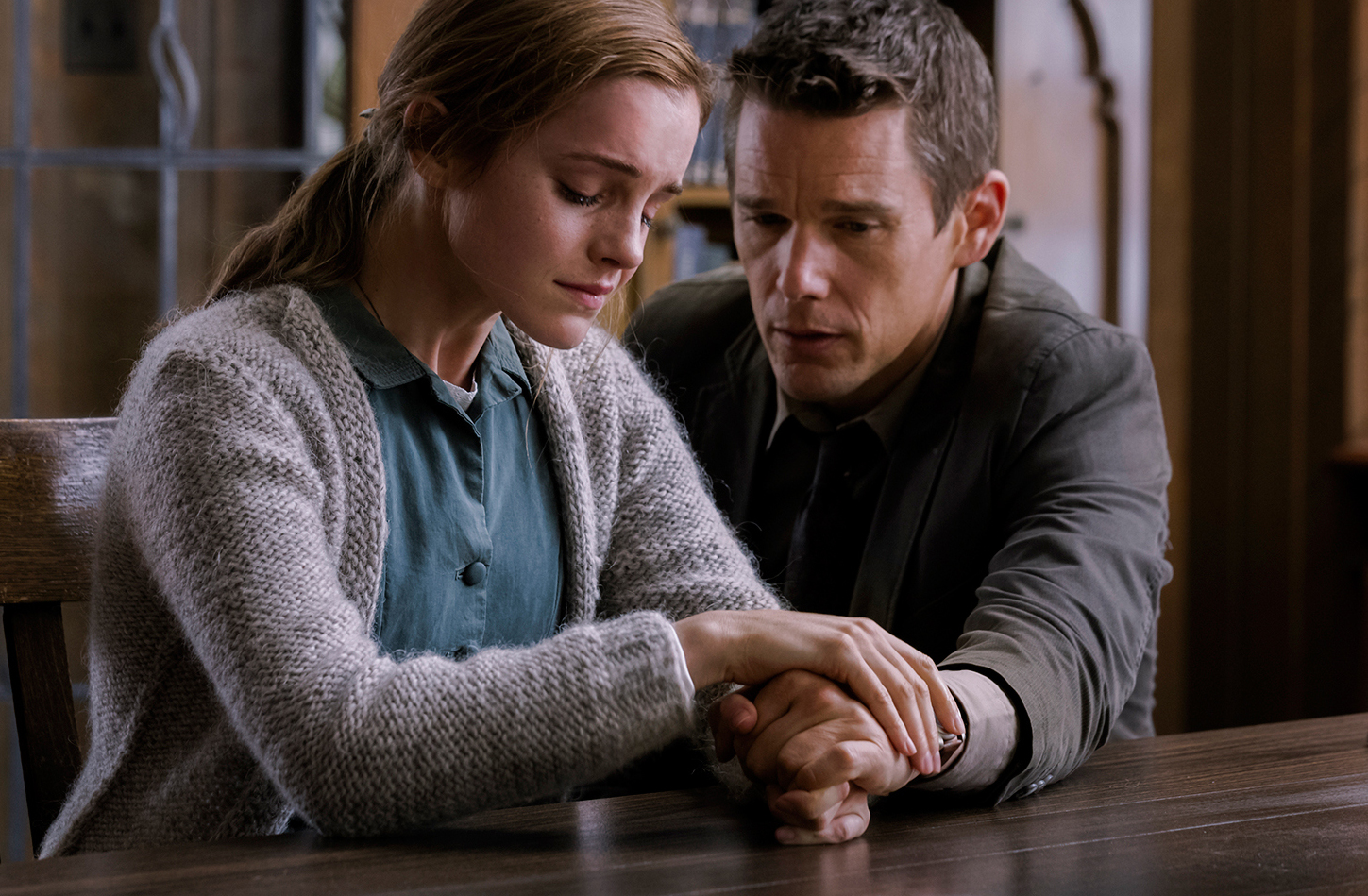 regression-official-trailer-starring-emma-watson-and-ethan-hawke-001