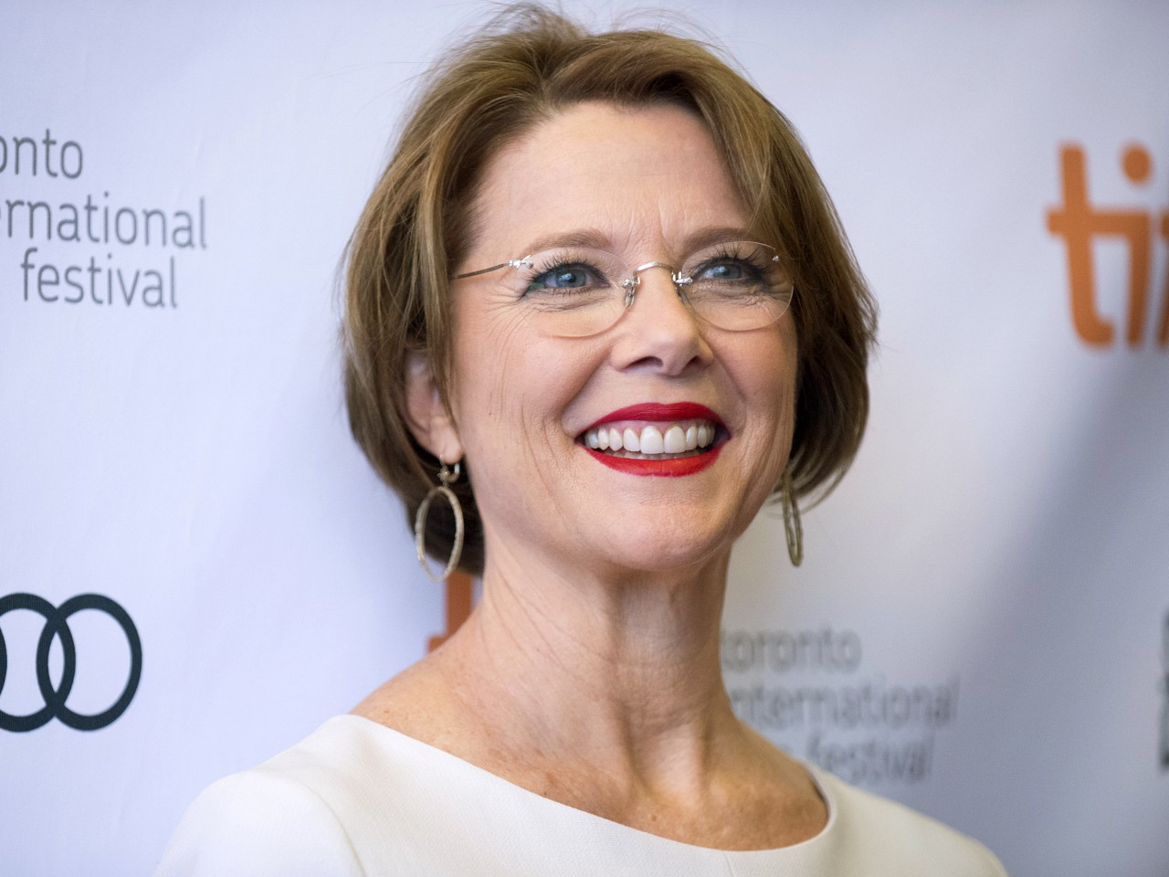 theater-annette-bening.jpeg-1280x960