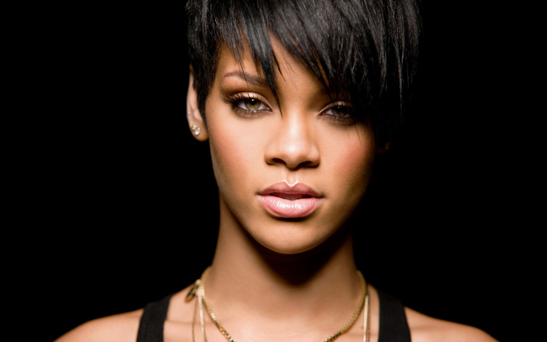 Rihanna Cites Mother A... Rihanna