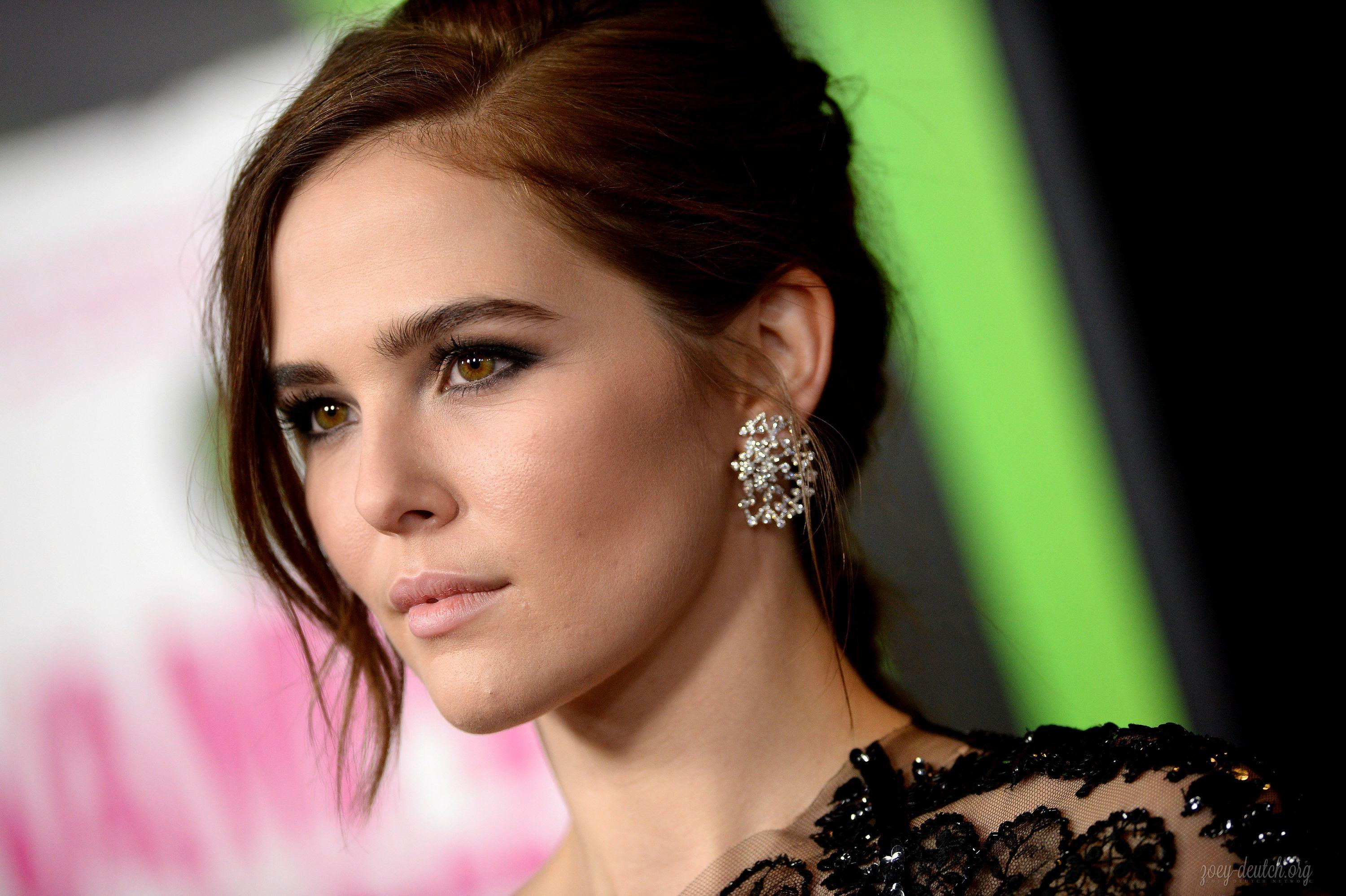 Zoey-Deutch-2016-Images